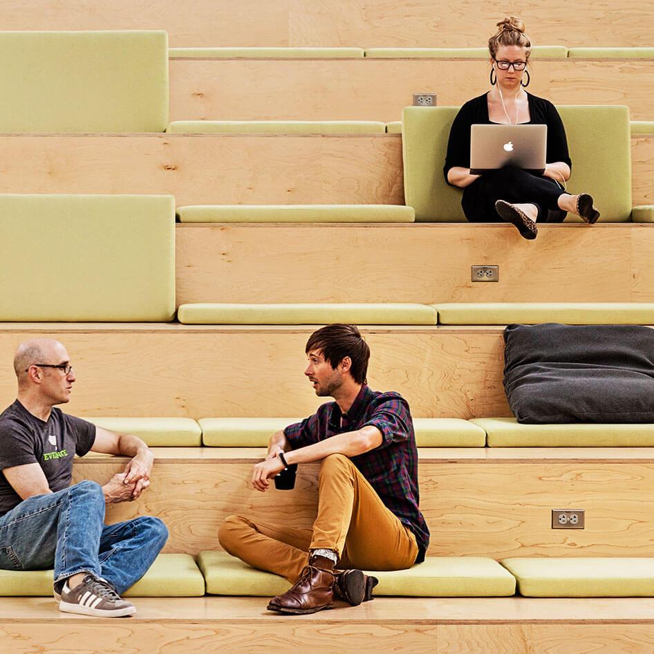 Mitarbeiter von Atlassian im Büro in San Francisco