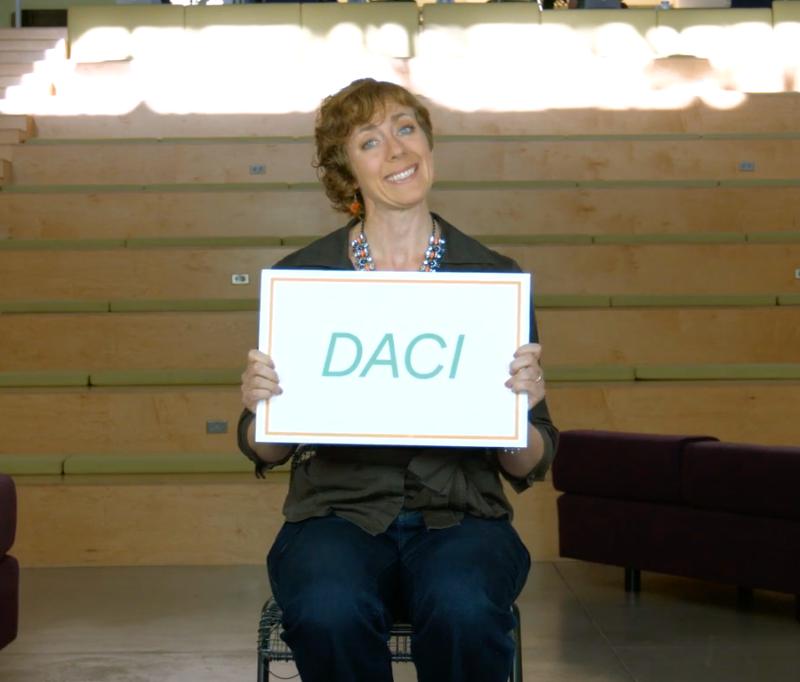 Vídeo explicando a estrutura de tomada de decisões em grupo DACI