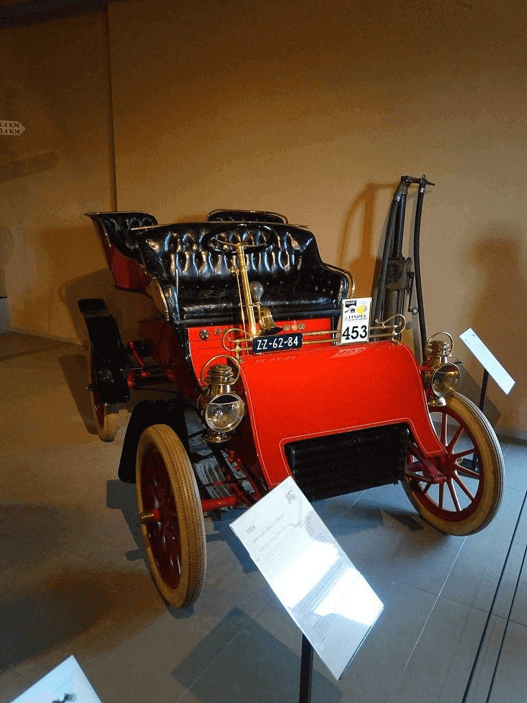 Early Ford car