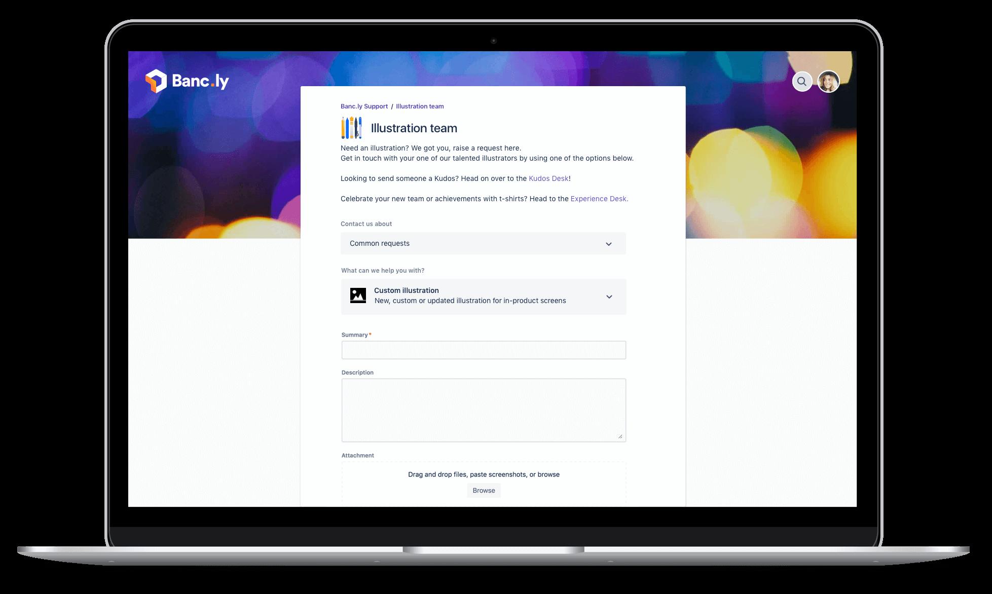 Snímek obrazovky Jira Service Desk na notebooku