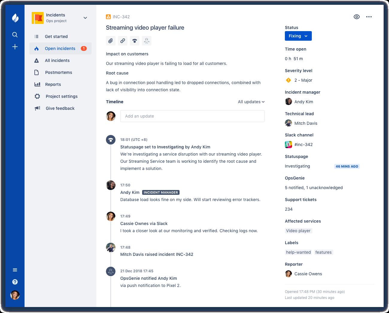 Capturas de pantalla de Confluence y Jira Service Desk